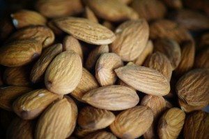 almond for skin health