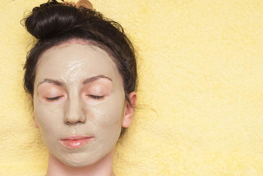 the ultimate guide to cosmetic clay - yellow illiate clay