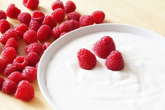 Yogurt face mask benefits