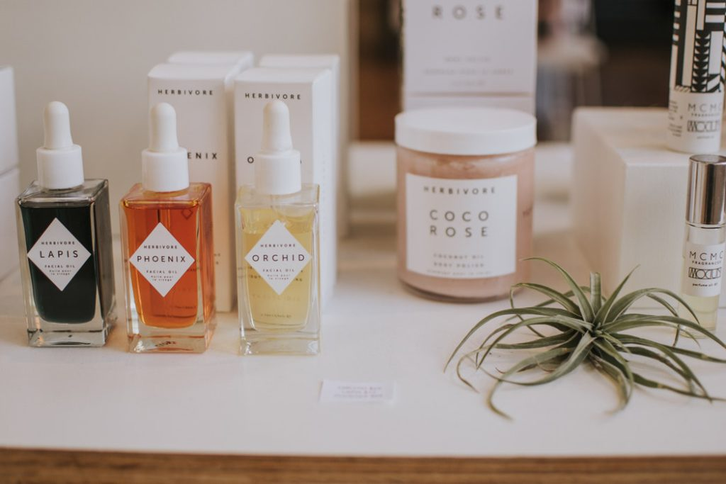 eco-friendly mothers day gifts - organic skincare