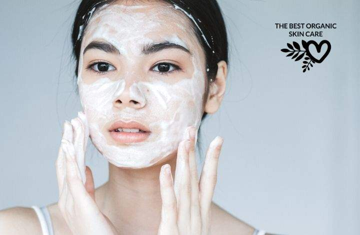 The Best Organic Cleansers for Oily Skin