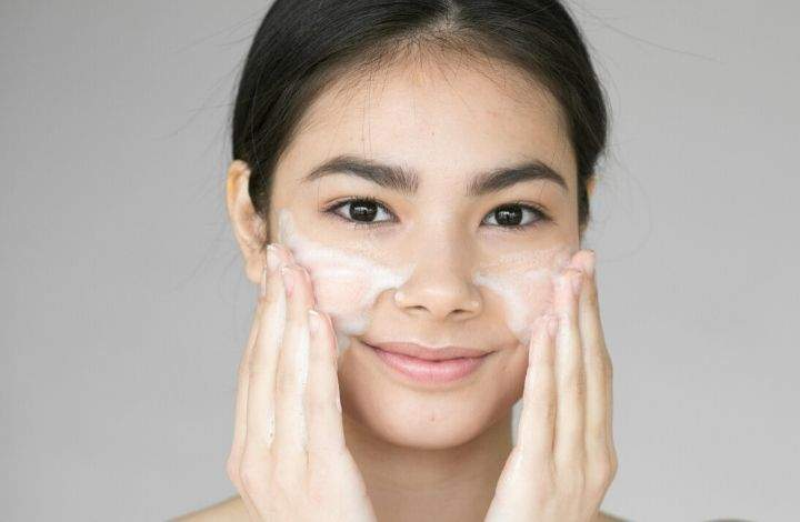 best natural cleansers for oily skin