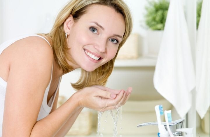 how to choose a cleanser for sensitive skin