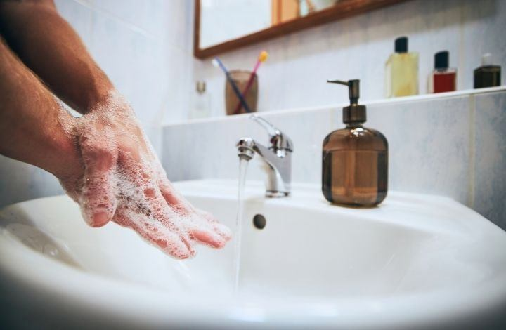 Benefits of Using Natural Hand Soap